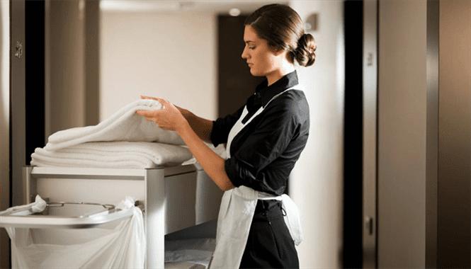 Carrelli portabiancheria per hotel: 3 requisiti essenziali